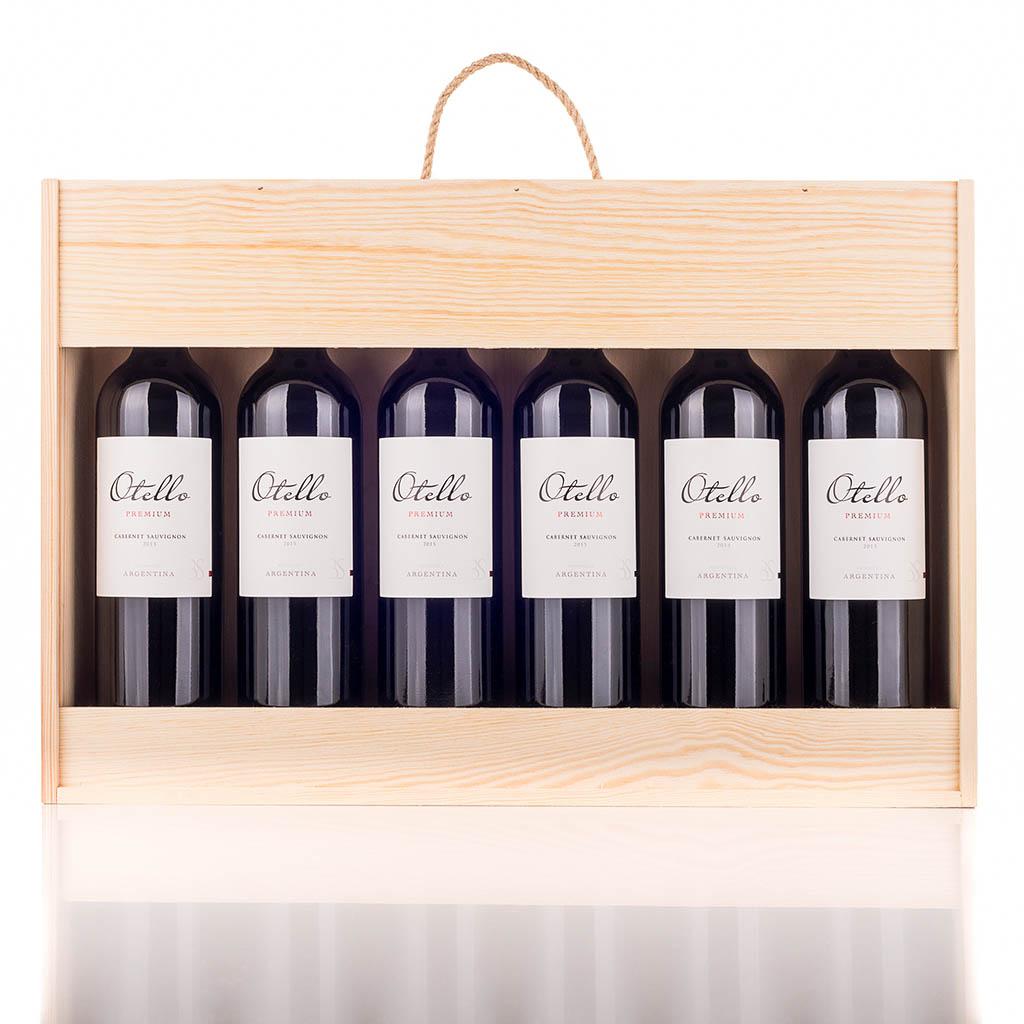 Vingave i træ åben med 6 flasker Otello Cabernet